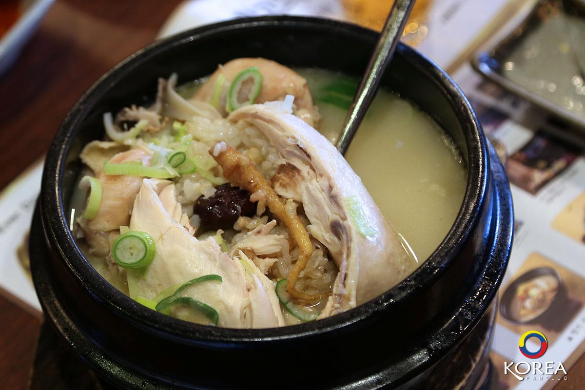 ไก่ตุ๋นโสม Hwanghu Samgyetang
