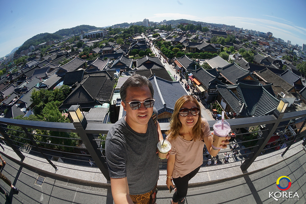 ลุงเด้ง ป้าไก่ หมู่บ้านโบราณจอนจู ( Jeonju Hanok Village ) จุดชมวิว จอนจู