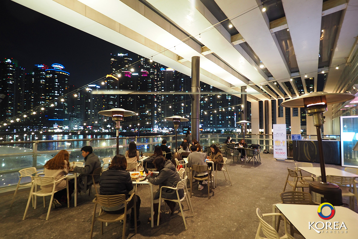 Terrace : The Grand Cafe