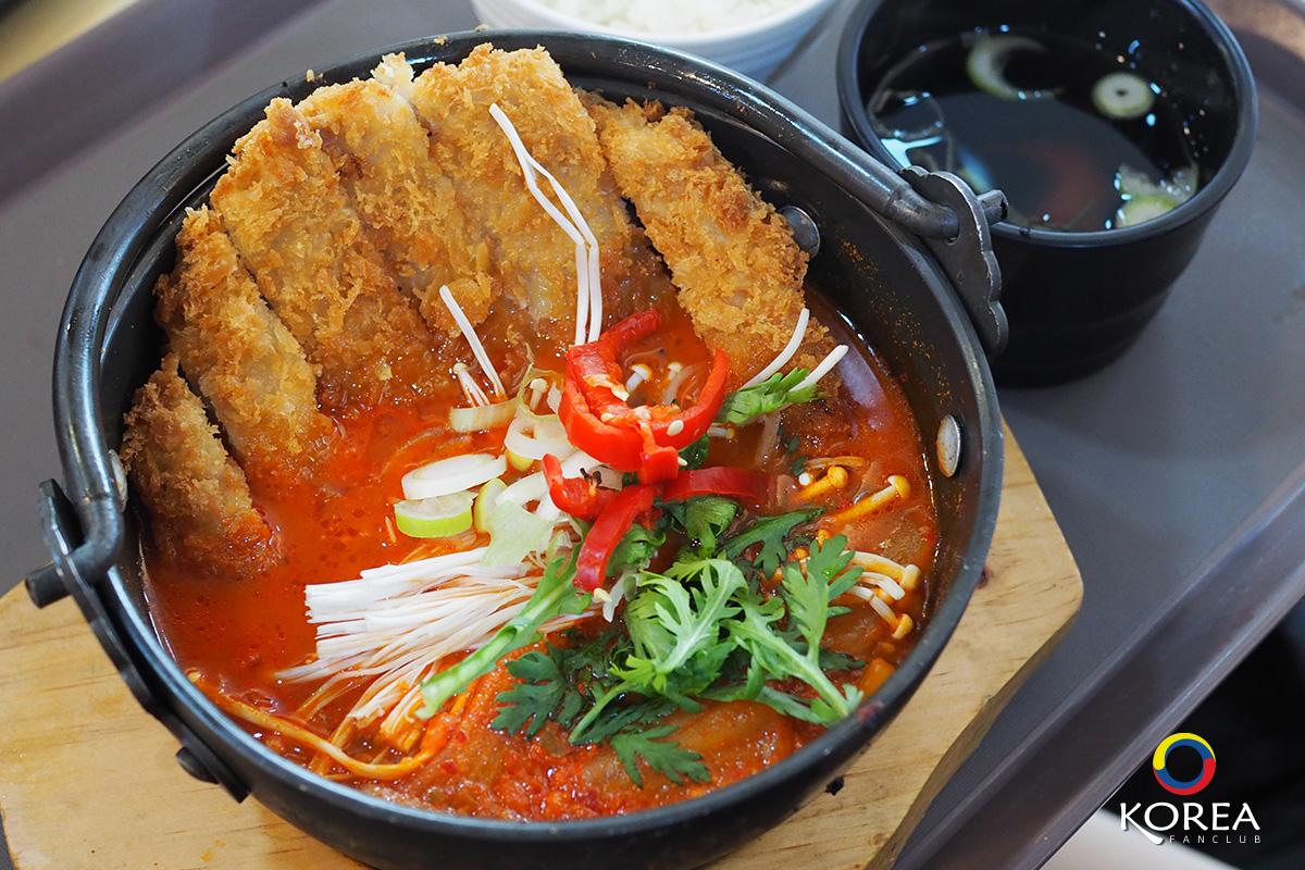 Noodles Tree Restaurant