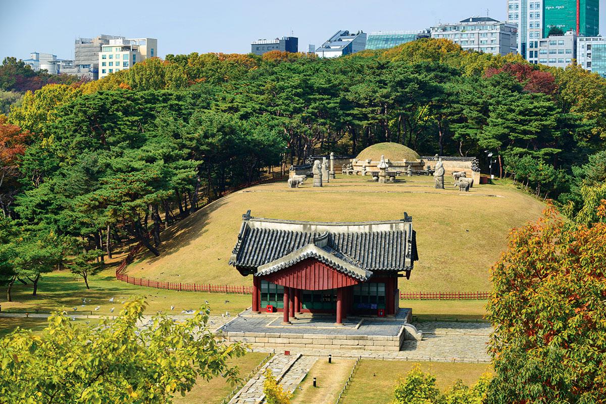 สุสานหลวง ซอลลึง & จองนึง : Seolleung & Jeongneung Royal Tombs