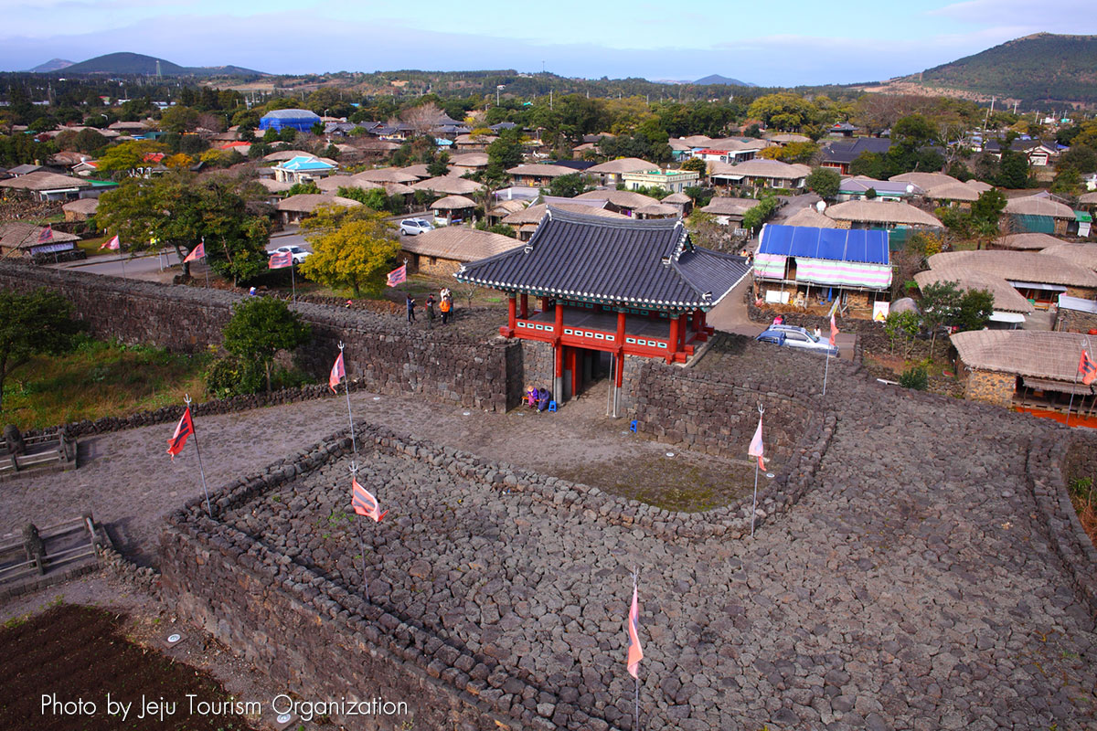 หมู่บ้านพื้นเมืองซองอึบ : Seongeup Folk Village