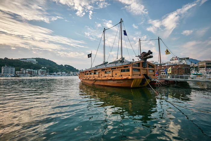 ท่าเรือกังกูอัน : Gangguan Port